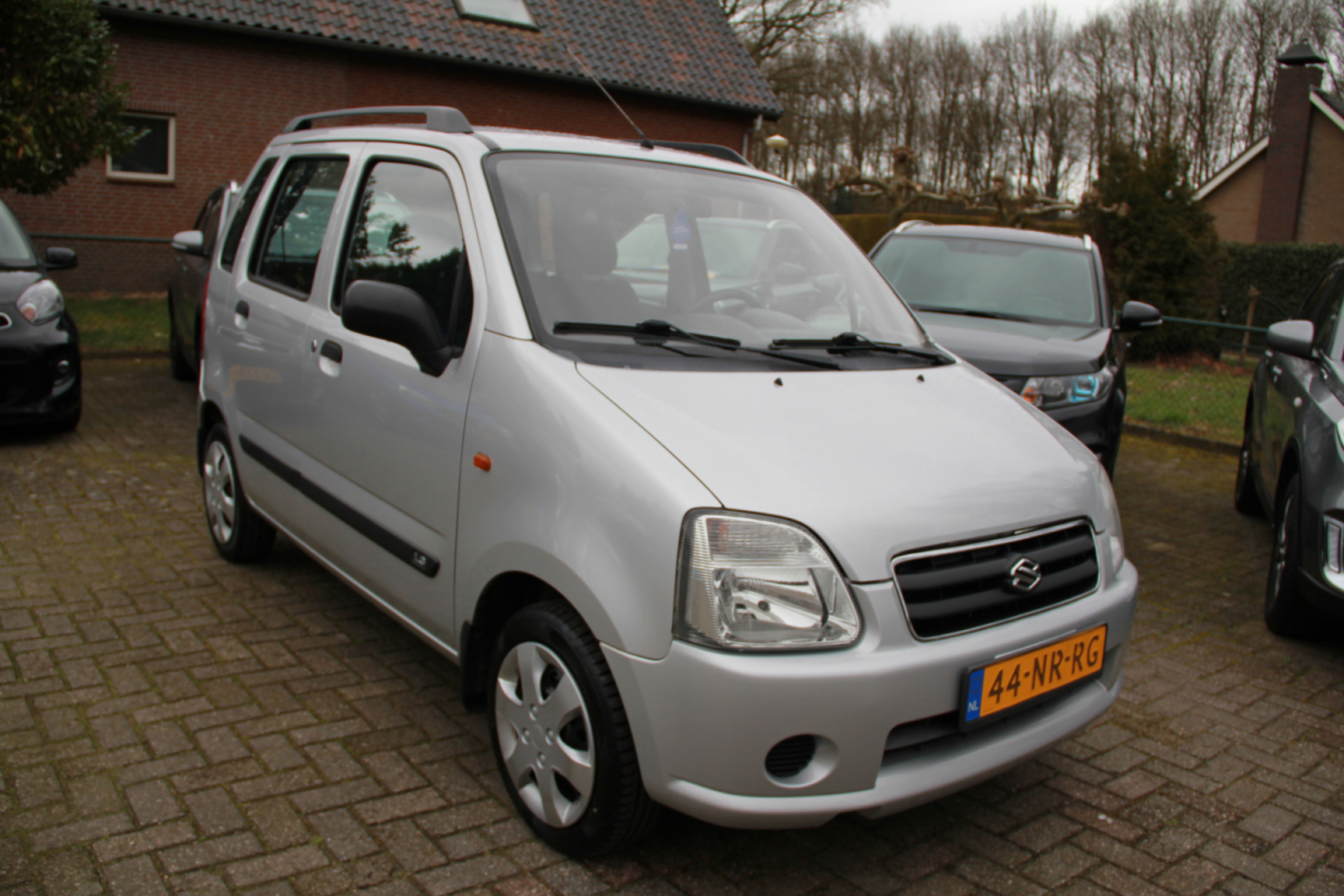 Suzuki-Wagon R+-3